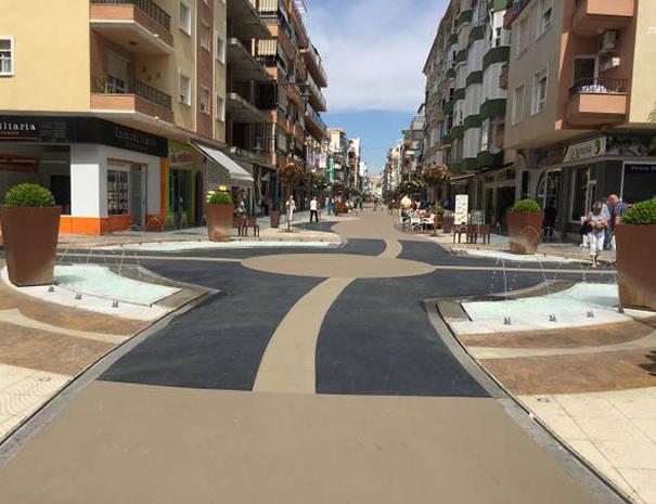 Nuestra empresa pone asfalto impreso en las obras de la calle torre del mar