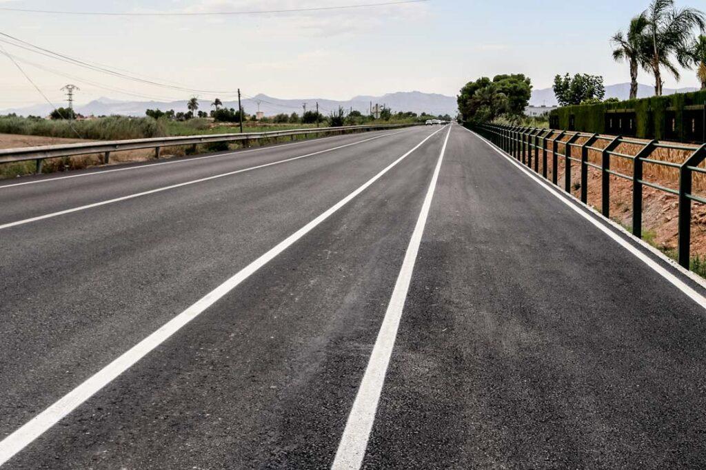Asfaltar con aglomerado asfáltico para la conservación de carreteras