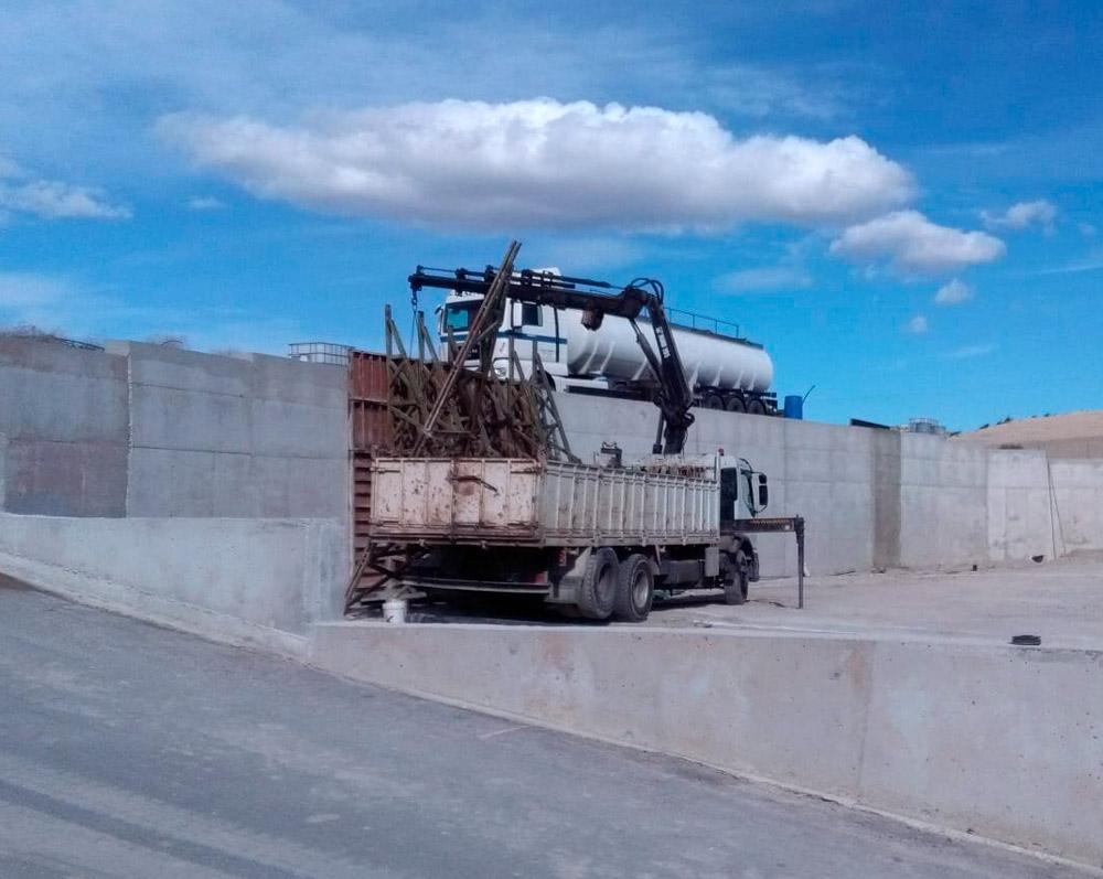 Asfaltado de la planta de purines en Lorca