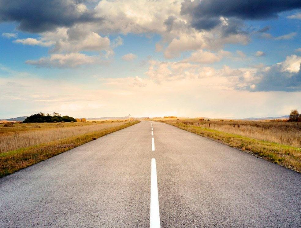 Para arreglar una carretera es importante saber el precio del asfalto