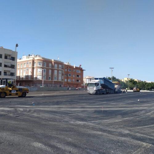 Asfaltado del solar para la renovación del CEIP La Paz