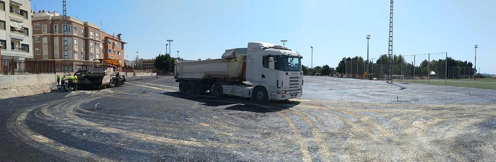 Obras de asfaltado en el CEIP La Paz