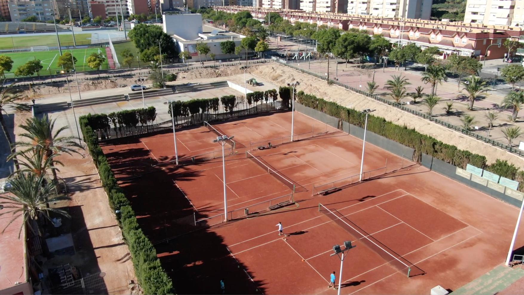 Construir instalaciones deportivas: revalorización del suelo público y privado