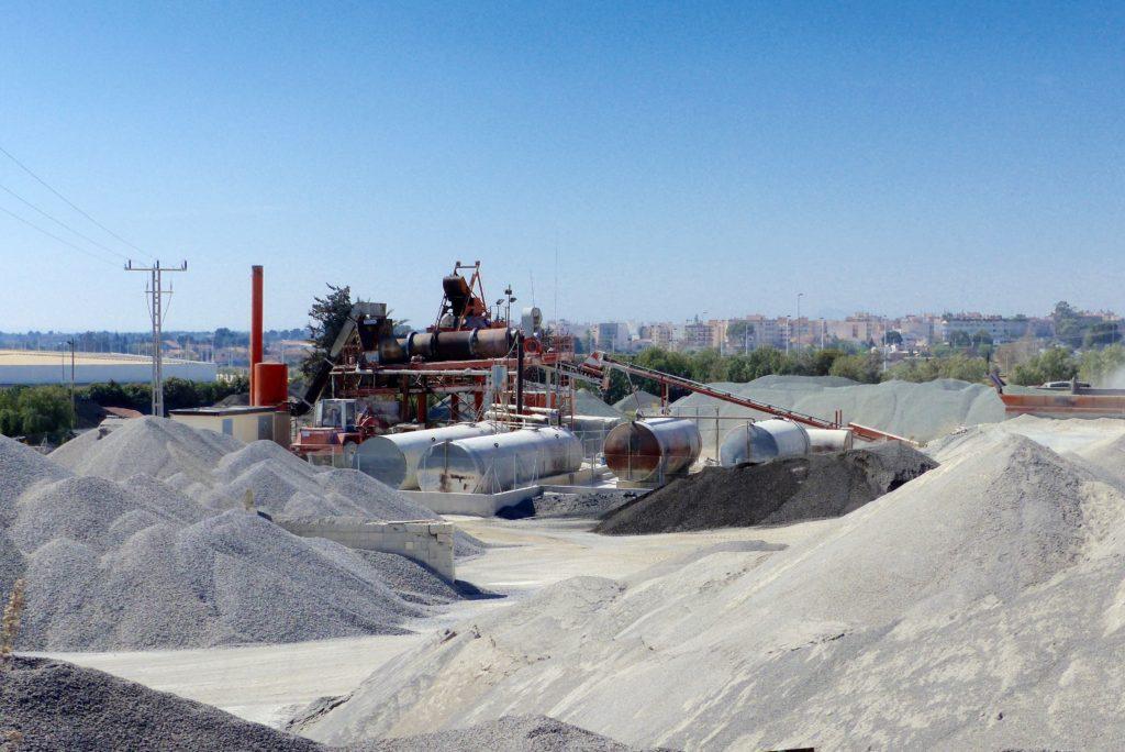 Servicio de venta de asfalto en planta de Involucra, S.L